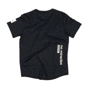 saysky comfortable and lightweight running tee in black and blue color